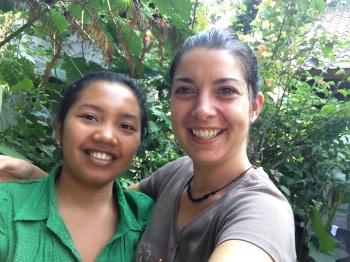 Lucie et Tiwi à la Keliki Painting School
